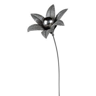dekorativer Gartenstecker Blüte dreidimensional shabby grau