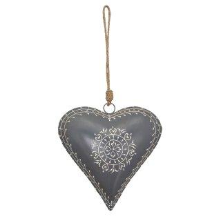 dekorativer Anhänger Herz Metallherz handbemalt hellgrau mit cremefarbenem Muster